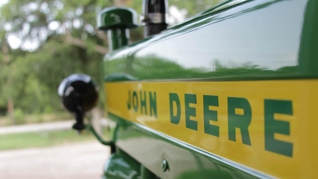 2020-john-deere-logo.jpg (83 KB)